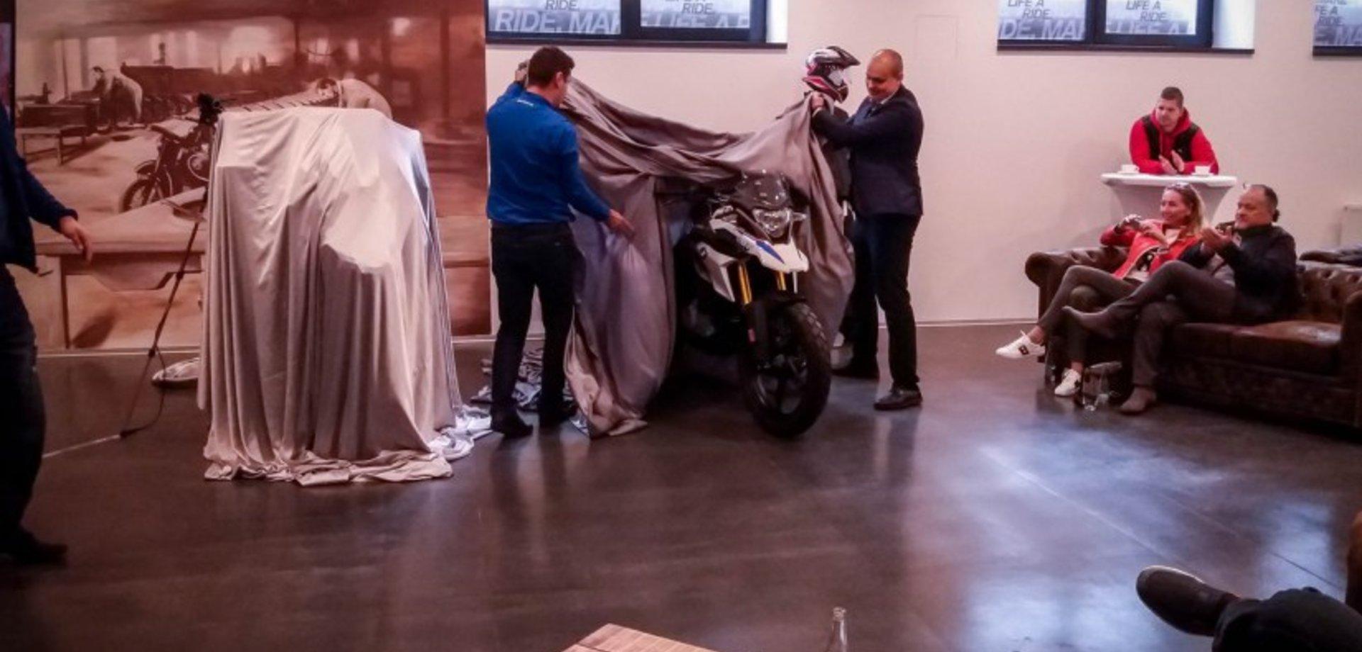 Mixmotor.Eu: predstavenie BMW G 310 GS A TFT displej